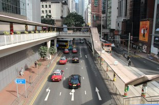 Until it is made, urban taxis will continue to serve most of Hong Kong at their current fare rate, which varies according to their passengers's destination.