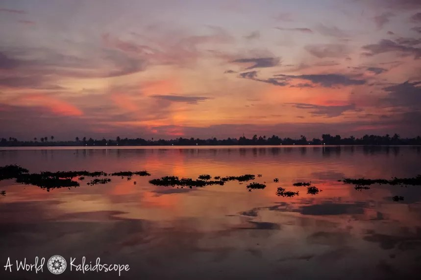 allein-als-frau-indien-backwaters-sunset