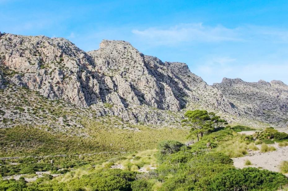 mallorca-ohne-mietwagen-cala-boquer-mountains