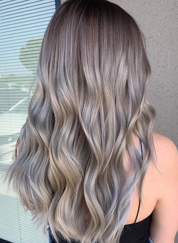 Don't try ash blonde at home if you want it to be perfect (and if you don't want to damage your mane).
