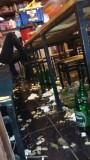 zooitje onder tafel