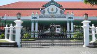 Mega dan Jokowi Tinggalkan Keraton Yogyakarta Tanpa Keterangan