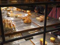 Diserbu Tinta Ungu, 500 Roti di Gerai Ini Ludes dalam 2 Jam