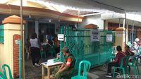 Tolak Celup Tinta, Seorang Warga Bacok Petugas KPPS di Blitar