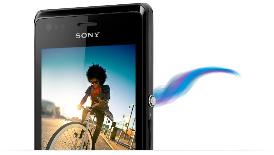 xperia-m-phone-to-phone-slideshow-02-1880×1064-4fb22bcc23dcafa6d6b7f9c92ab11d63-940×532