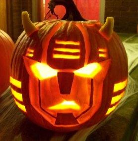 cliffjumper_pumpkin_carving