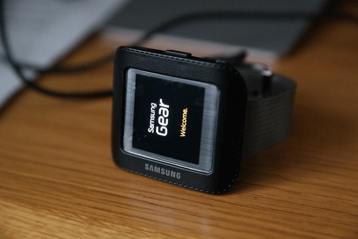 Samsung-Galaxy-Gear-1-Original-software-update-tizen-700×467
