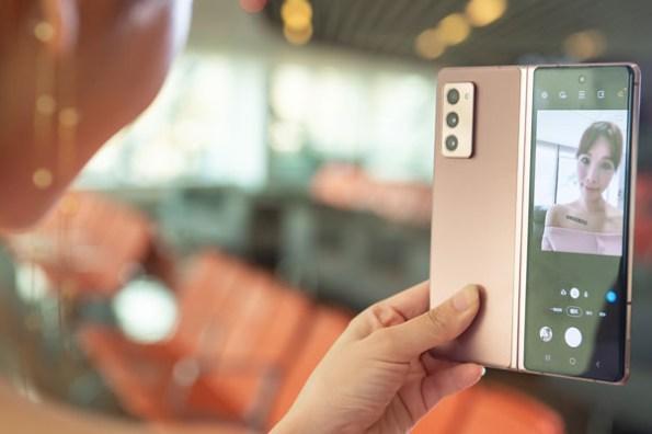 三星奢華旗艦Galaxy Z Fold2 5G 上市,同場再推 Galaxy Watch 3 鈦金黑款式與 LTE 版本!