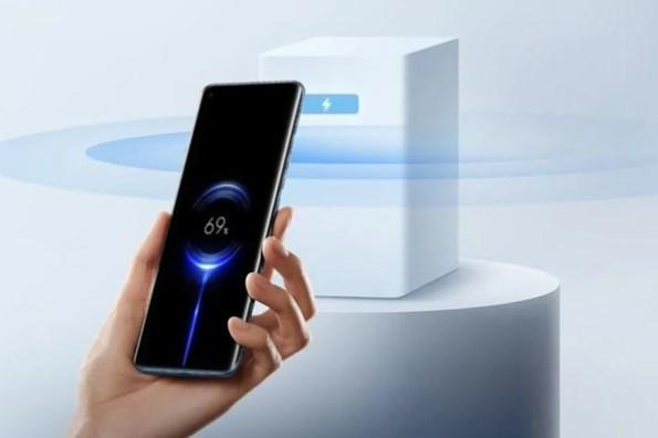真的不用插線!小米全球首發「隔空充電」技術,真.宣告無線充電時代來臨!