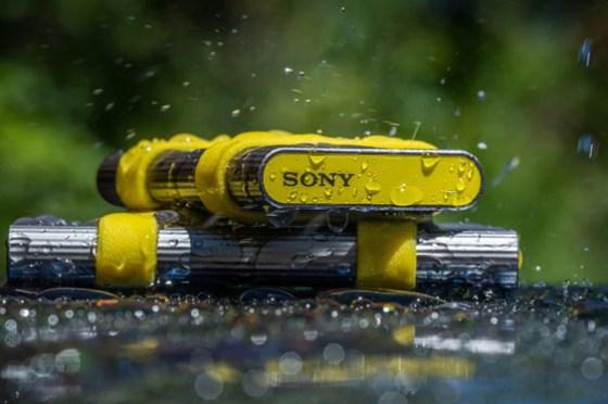 SSD 一點也不脆弱!Sony SL-M 系列固態硬碟強悍登台!不僅效能專業,更有高規格防水防塵防撞能力!