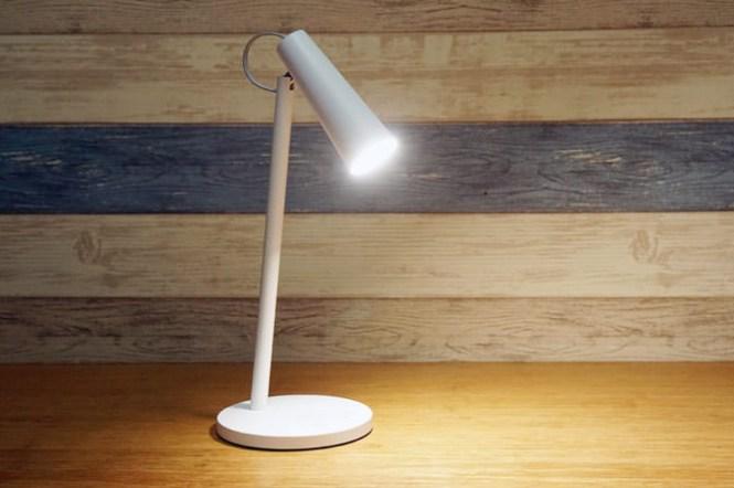 米家 LED 充電式檯燈開箱:內建電池、迷你可攜!