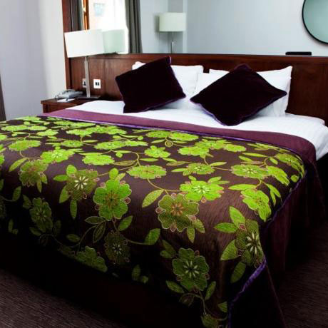 camden-court-hotel-room