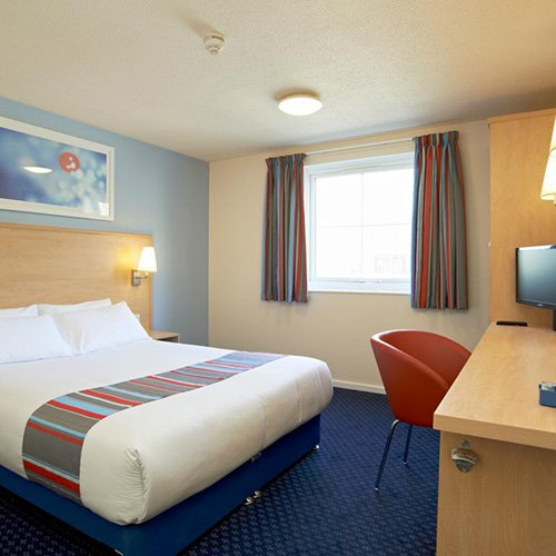 travelodge-docklands-room