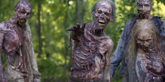 walking-dead-decaying-zombies