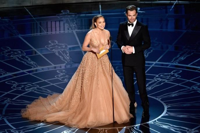Jennifer Lopez and Chris Pine