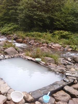 岩間温泉。