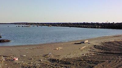 大津港浜辺