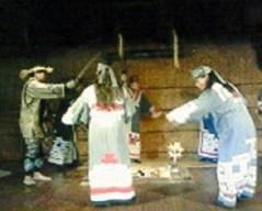 2009/05/28 11:44 アイヌの踊り