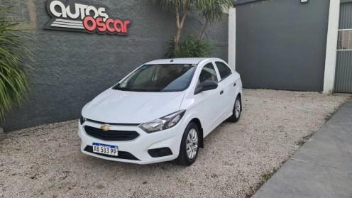 Autos Oscar Chevrolet Prisma 2017 (1)
