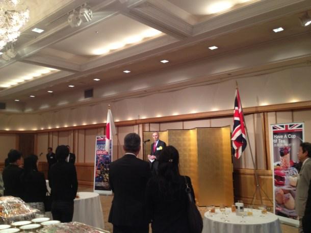 駐日大使、日本語の完璧さには頭が下がります。