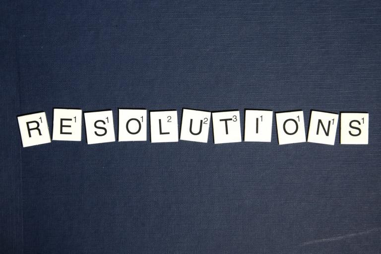 LIFE-CHANGING RESOLUTIONS TO MAKE THIS NEW YEAR 2021