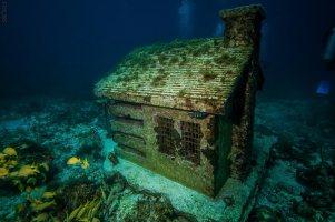 Cancun-underwater-museum-3-of-20