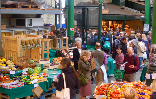 crowds_shopping_at_borough_market_south_london_-_geograph-org-uk_-_1522109