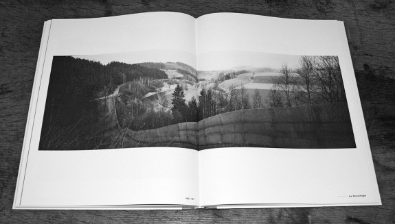 Grenzfalle-Falling Barriers-Kerber Photoart-photography book-A Year In The Country-4