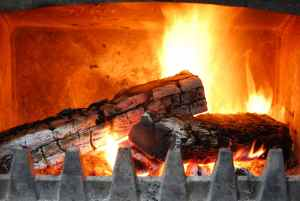 Homesteading in the Burbs - Fall Is on its Way - Heating and Cooking with Your Fireplace - Tips and Tricks