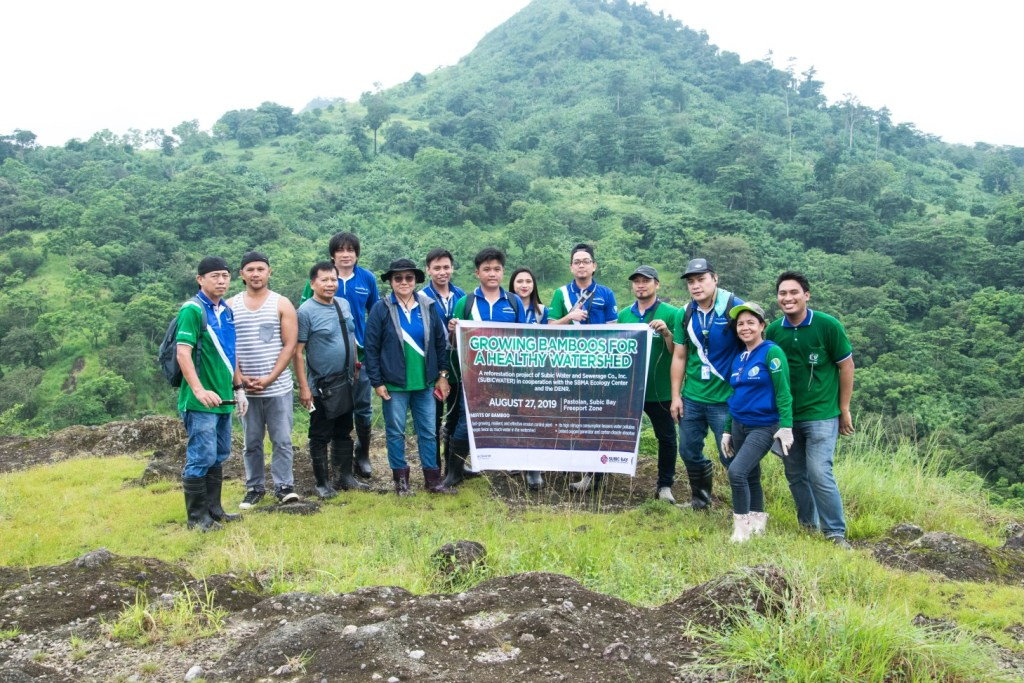 Volunteers, after planting 200 bamboo saplings in Pastolan. Photo by subicwater.com.ph