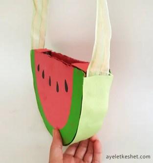 DIY watermelon bag from cardboard - step 5