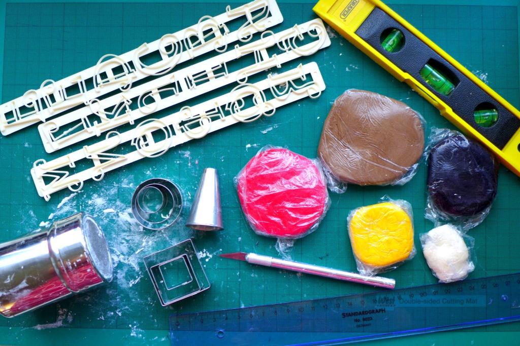 tractor cake decor materials