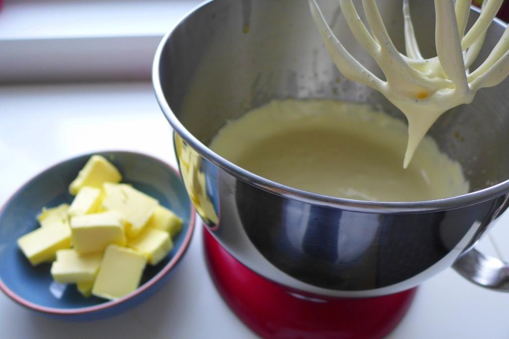 whipped egg yolk mixture