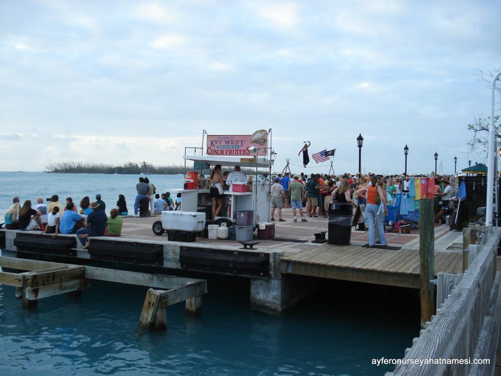 Mallory Square Dock, Gün Batımı Festivalinden...