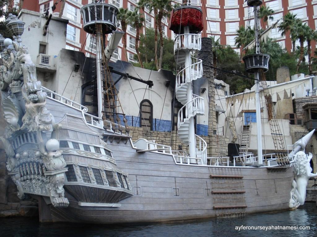 Treasure Island Otel