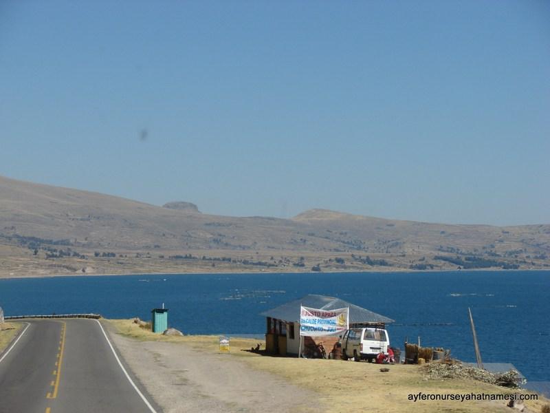 Titicaca Gölü (Peru İnka Express Otobüsten)