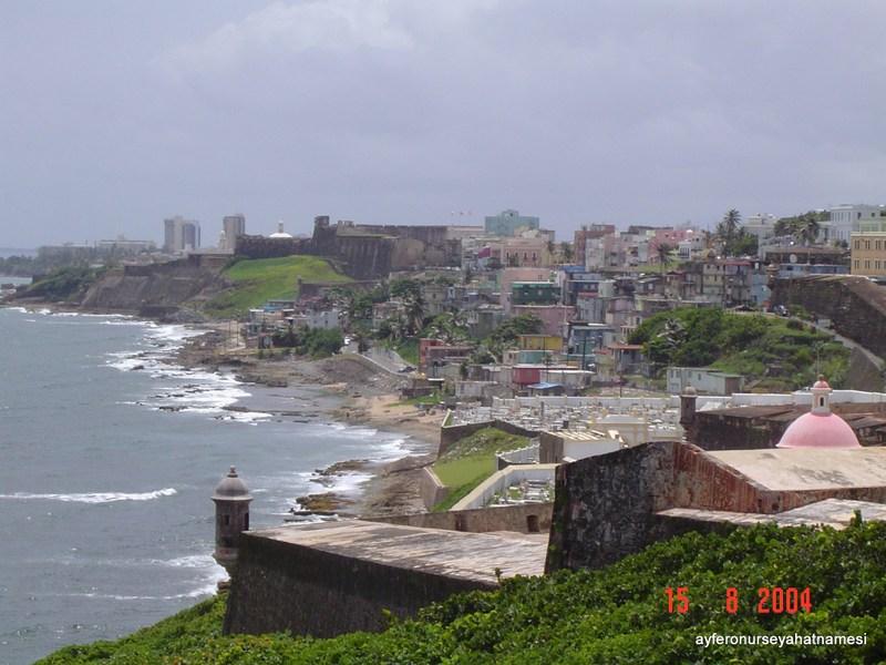 San Juan Morro Castle - Kaleden şehir manzarası...