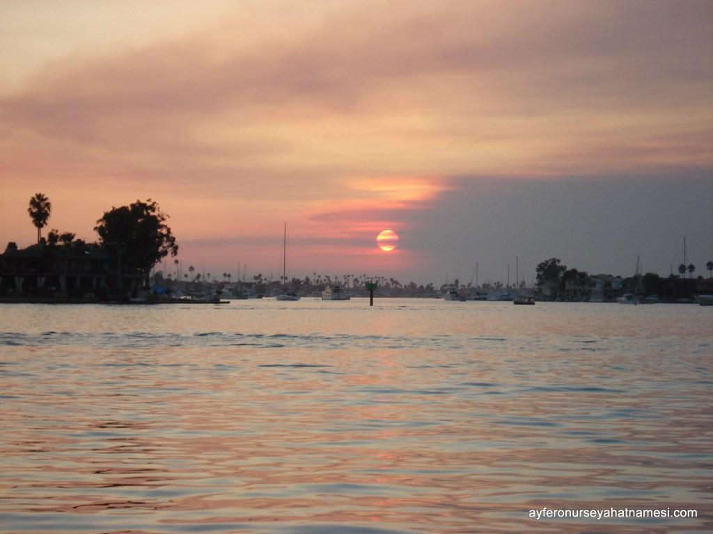 Bu gün batımları nasıl özlenmez? Balboa Island, Los Angeles