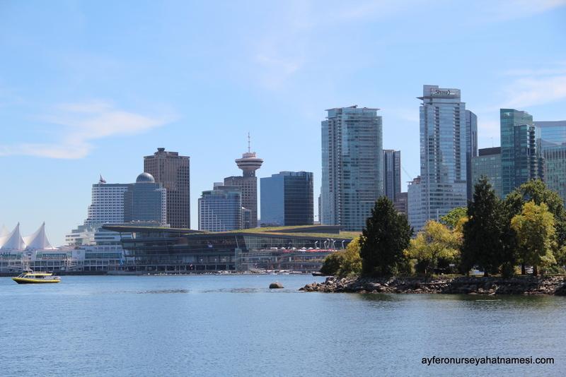 Stanley Parktan Vancouver şehir manzarası...