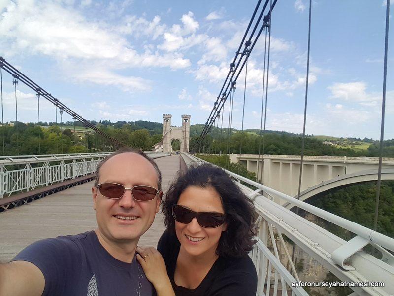 Charles Albert köprüsü, Fransa