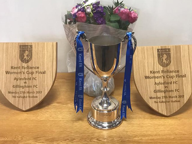 https://i1.wp.com/aylesfordfc.co.uk/wp-content/uploads/ladies-trophies-min.jpg?fit=640%2C480