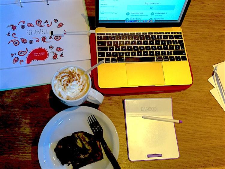 Productief aan het werk Starbucks pumpkin latte