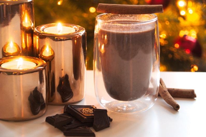 Gezonde warme chocolademelk