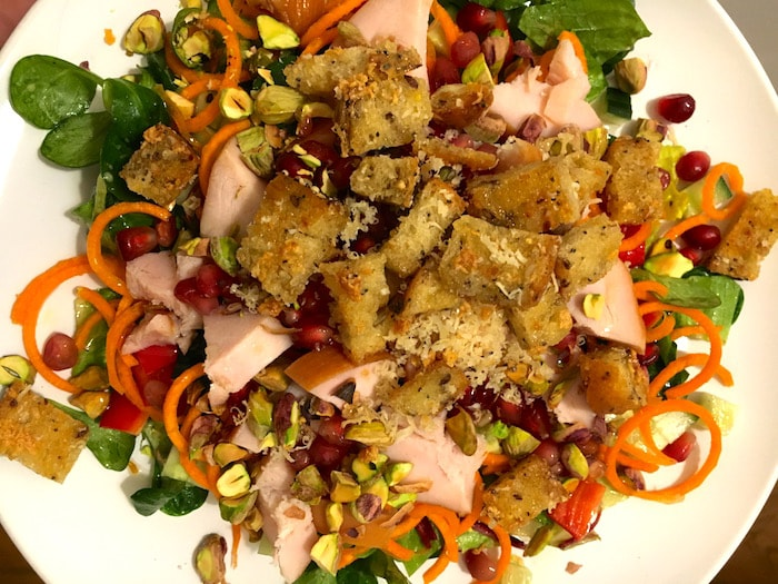 Intuïtief eten - salade gerookte kip