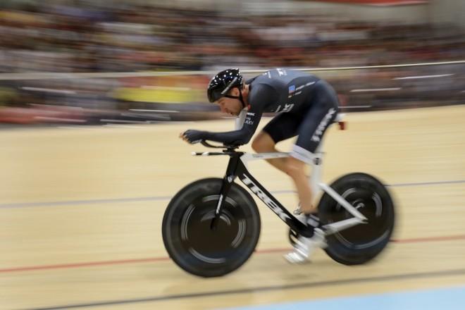 Jens Voigt, 18 Eylül 2014'de rekor denemesinde pedallarken