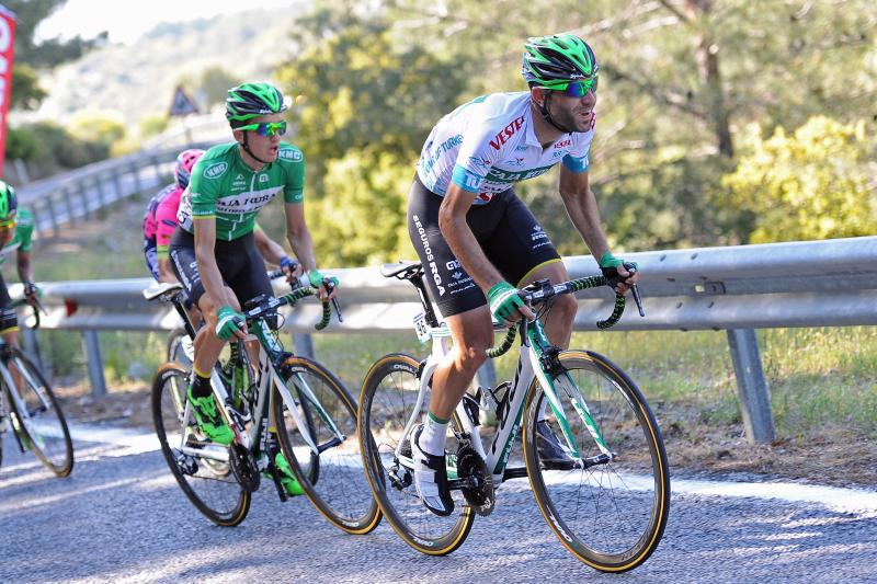 TUR2015_stage_6_two_riders_climbs