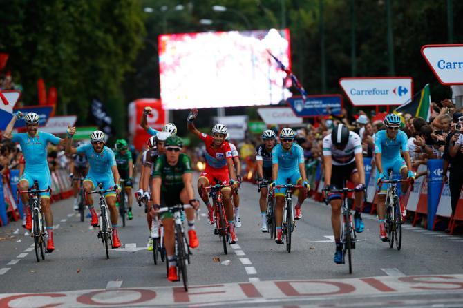 Vuelta2015_Stage21_Astana1