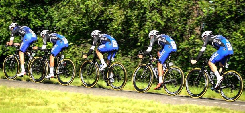 TDS2016_stage1_winner_team_etixx_quickstep