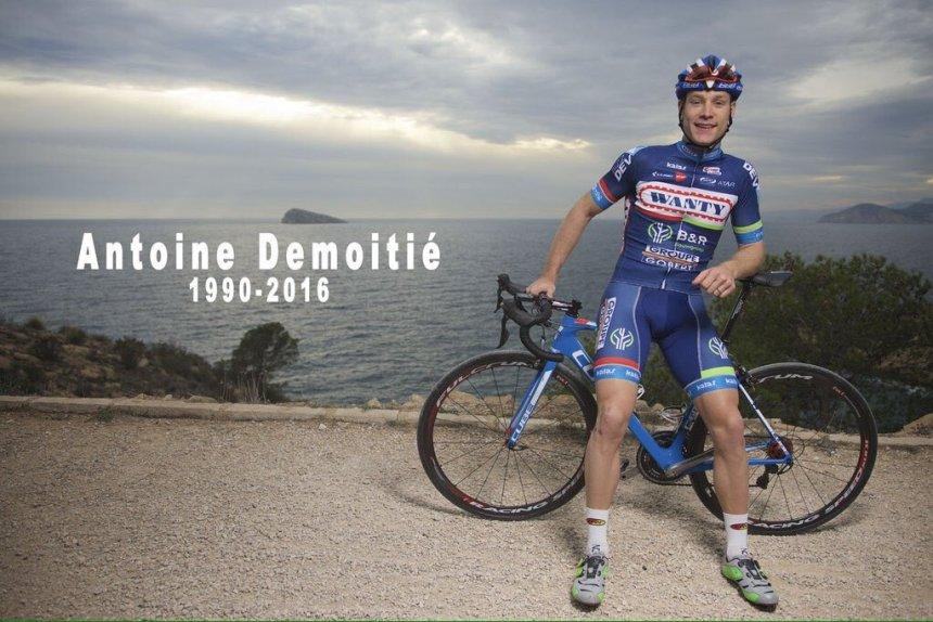 Fotoğraf Team Wanty-Groupe Gobert'in İspanyanın Benidorm kentinde süren 2016 sezon hazırlıkları kampından... Pedallayarak gittiğin yer her neresiyse gülümsemeye devam et Antoine...