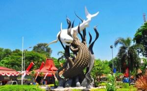 Mencari Tempat Wisata di Surabaya